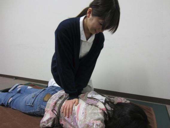 女性の施術者・鍼灸マッサージ師(国家資格)