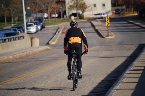 自転車は左側通行です・道路交通法改正