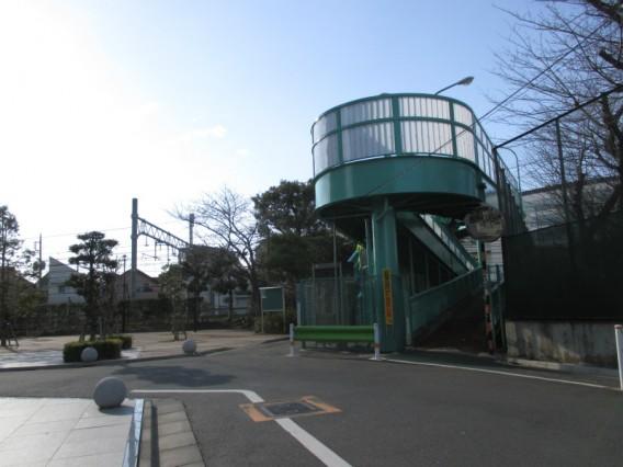 蒲田駅周辺でJR線を渡る方法その2・歩道橋「まちやこせんじんどうきょう」