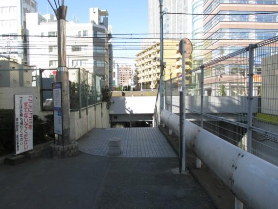 蒲田駅周辺でJR線を渡る方法その5・多摩堤通り地下歩道