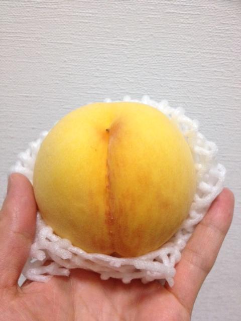 山形県産・黄金桃(おうごんとう)が届いた