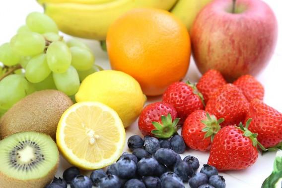 今考える、水、果物、油、おやつ、外食